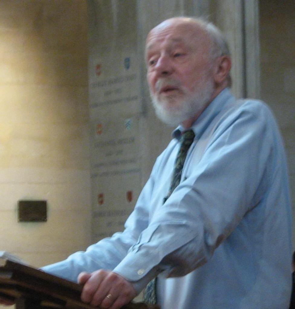 Marcus_Borg_speaking_in_Mansfield_College_chapel
